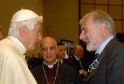 Benedetto XVI, Mons. Fisichella e Marco Bersanelli. Roma, 25 Novembre 2011