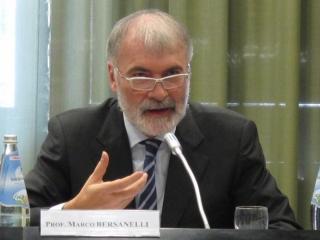 Marco Bersanelli interviene alla XXV Assemblea Plenaria del Pontificio Consiglio per i Laici. Roma, 25 Novembre 2011